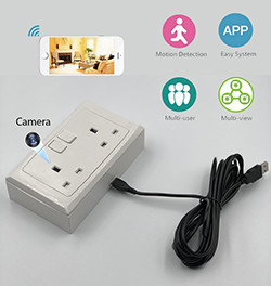 2 Way WIFI Wall Solet Outlet SPY Kamera Natia, 70hrs faamaumauina, 100hrs faʻataʻitaʻiga (SPY220) - S $ 350