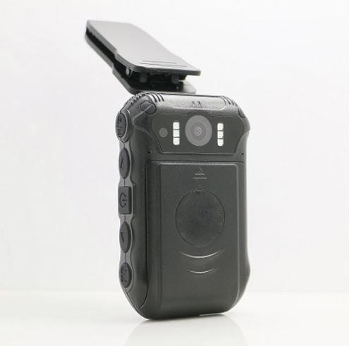 BWC024-Body Worn Camera-Two replaceable 2500mAh batteries - 2