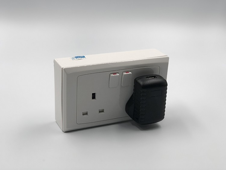 2 Gang WIFI seinämalli Socket Outlet SPY Hidden Camera - 4